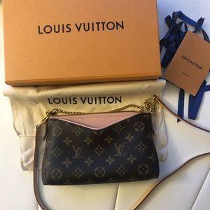 Louis Vuitton Pallas Clutch